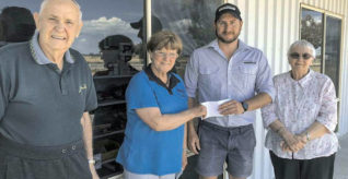 drumMUSTER donates $1800 to Hopetoun & District Historical Society